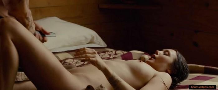 Elizabeth Olsen full naked