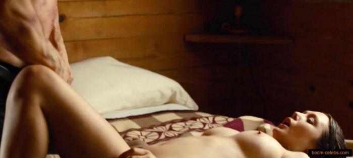 Elizabeth Olsen sex scene pic
