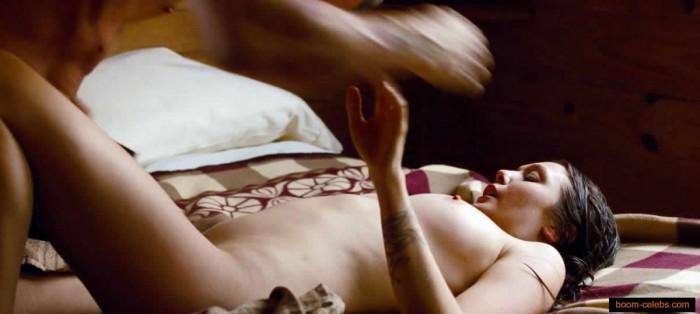 Elizabeth Olsen sex scenes