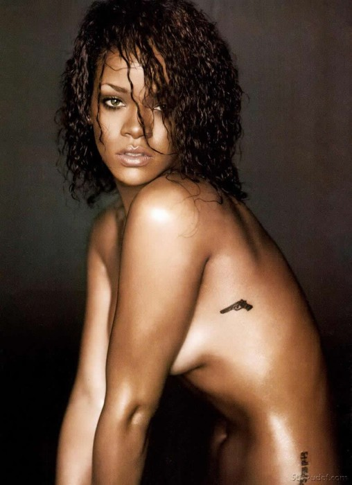 Hot Rihanna Nude
