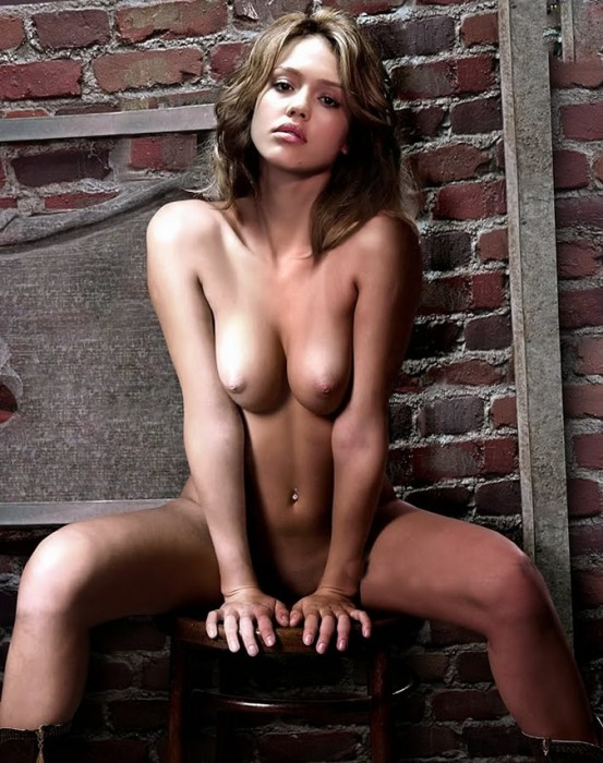 Jessica-Alba-Completely-Nude-Photo