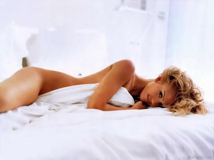 Jessica Alba naked