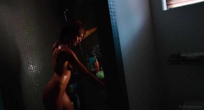 Jessica Alba nude in shower