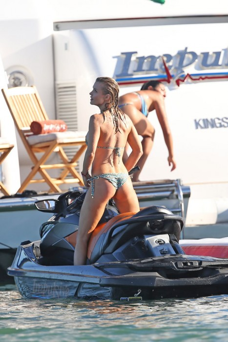 Joanna Krupa On Private Yacht
