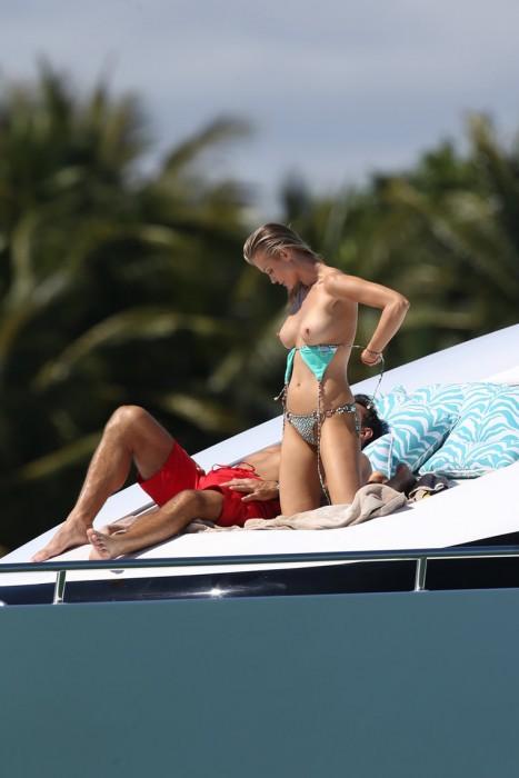 Joanna Krupa Topless Paparazzi Photo