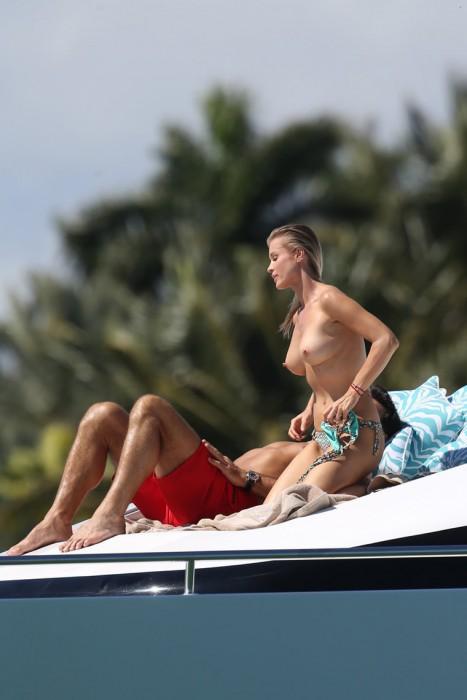 Joanna Krupa Topless Sexy Tits