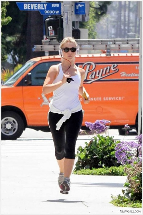 Julianne Hough Workout Pics