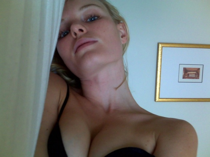 Kate Bosworth hot selfie