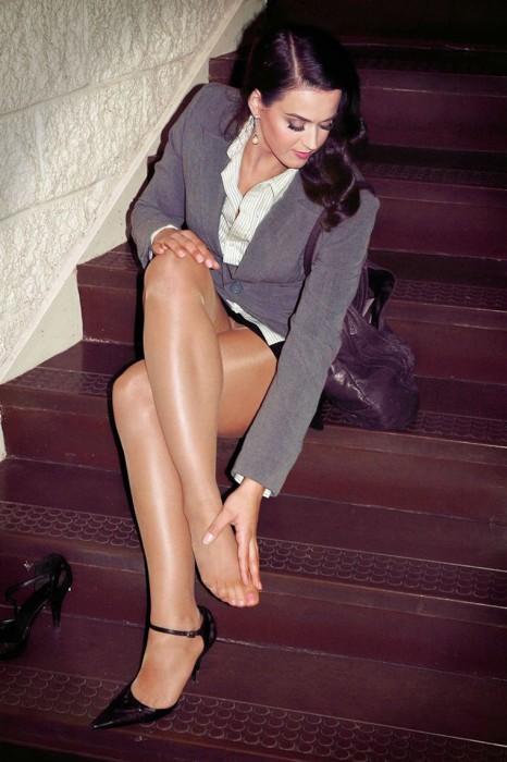 Katy Perry Pantyhose Upskirt