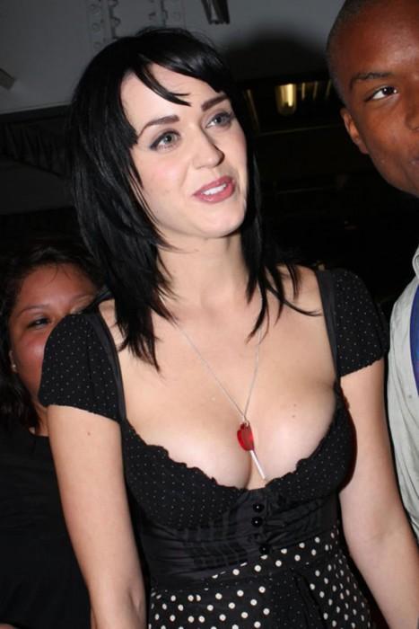 Katy Perry tits paparazzi photo