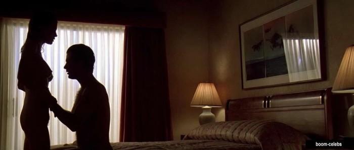 Kim Basinger nip slips