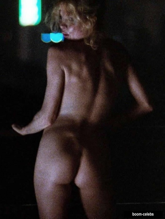 Kim Basinger sexy ass