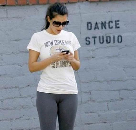 Kim Kardashian Hot and Sexy Paparazzi Photo