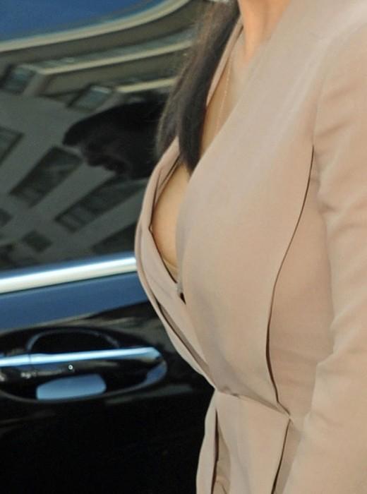 Kim Kardashian Nip slip upskirt Paparazzi Photo