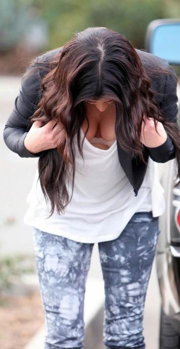 Kim Kardashian Paparazzi Photo Tits