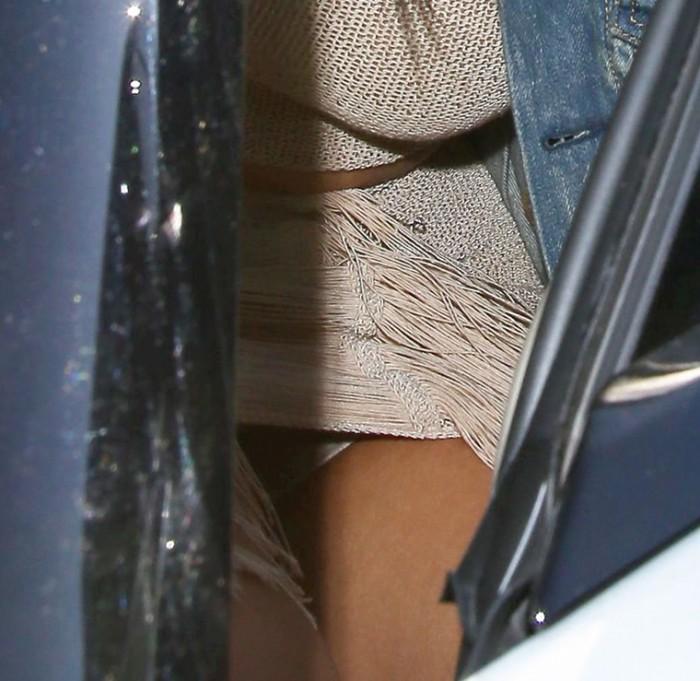 Kim Kardashian White Panties Upskirt Paparazzi photo