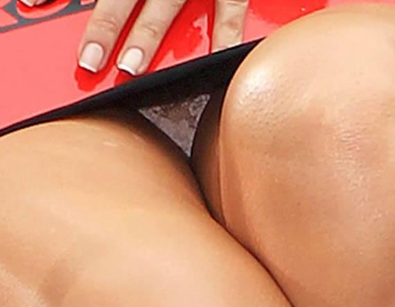 Kim Kardashian Withe Panties Upskirt Pic