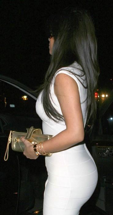 Kim Kardashian sexy ass paparazzi photo