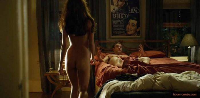 Mila Kunis sex scene