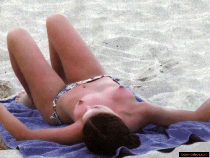 Natalie Portman Topless