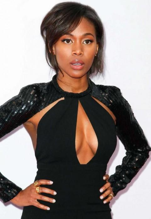 Nicole Beharie sexy tits