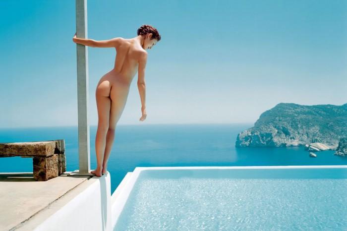 Olga Kurylenko sexy ass