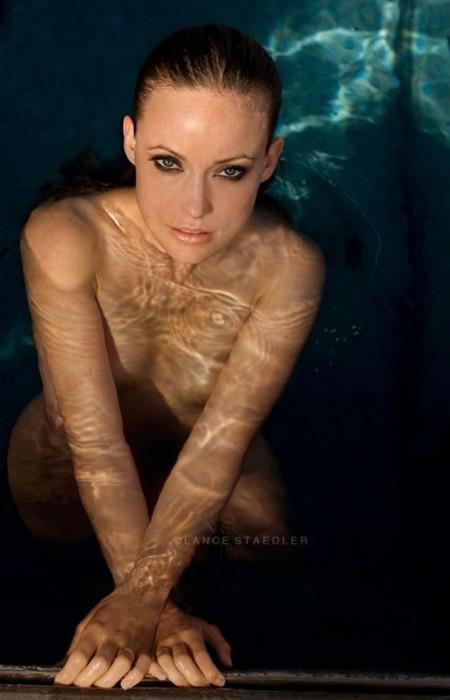 Olivia Wilde topless