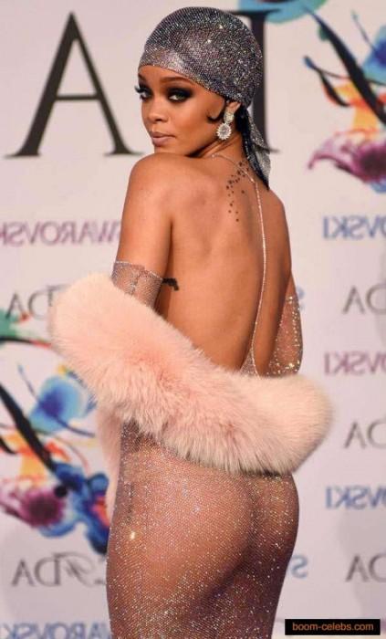 Rihanna sexy booty