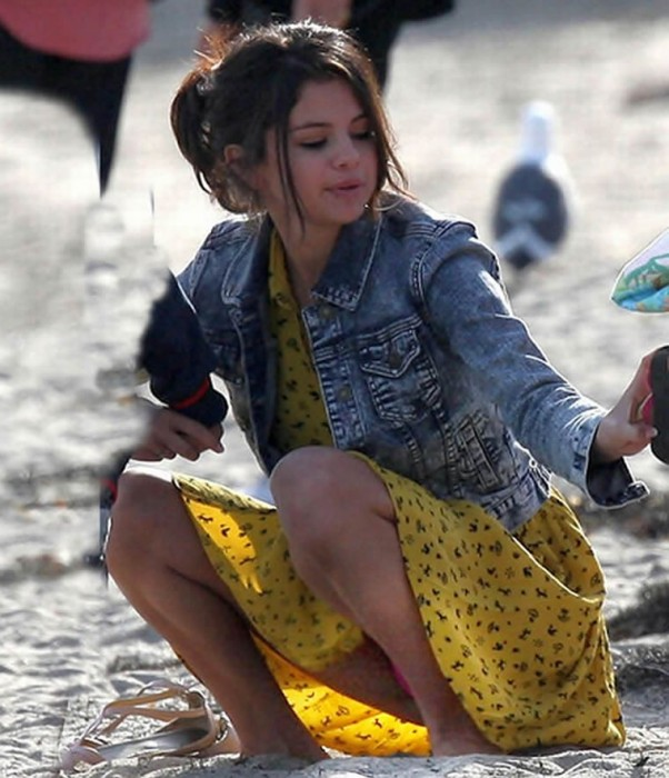Selena Gomez Upskirt (20 Photos) – Celebrity Nude Leaked ...