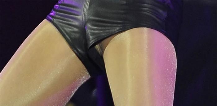 Selena Gomez Upskirt Pussy