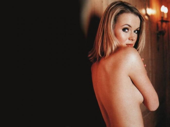 Sexy Amanda Holden Nude