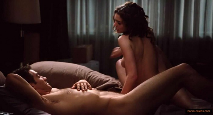 Sexy Anne Hathaway Naked