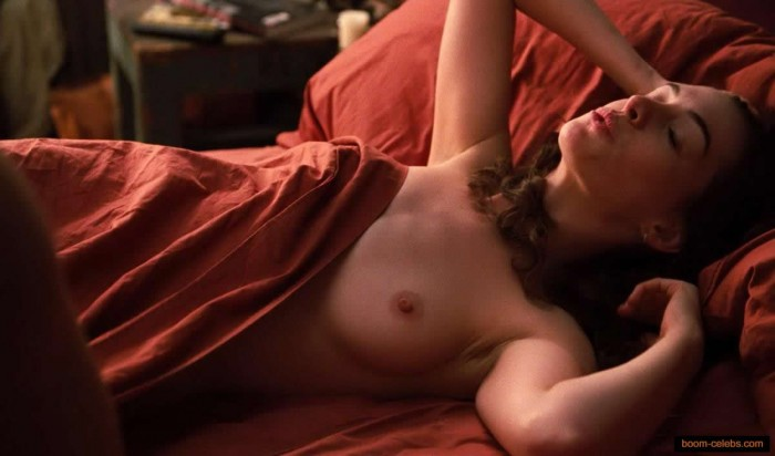 Sexy Anne Hathaway Nude photo
