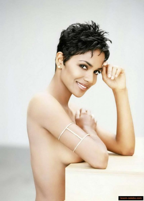Sexy Halle Berry Naked