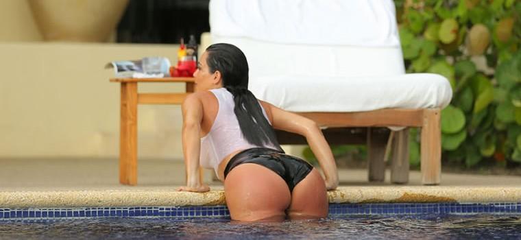 Kim Kardashian Hot and Sexy Paparazzi Photos (25 Pics)