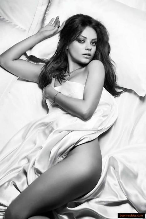 Sexy Mila Kunis Naked