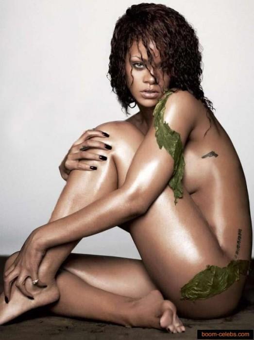Sexy Rihanna Nude