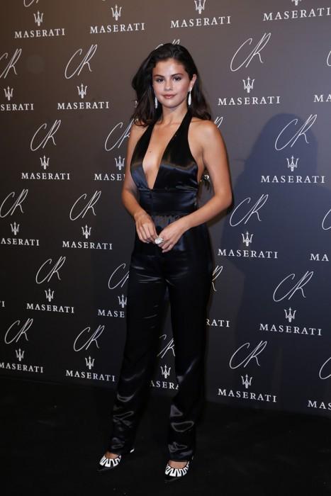 Sexy Selena Gomez Pokies on the Red Carpet