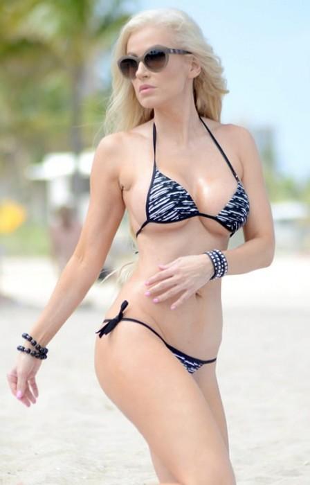 1-hot-ana-braga-in-bikini