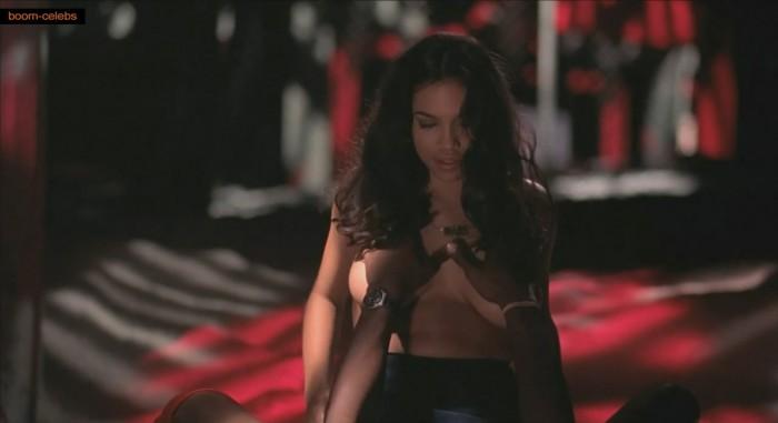 3-rosario-dawson-topless