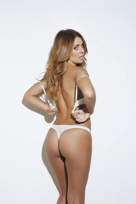 5-holly-peers-booty