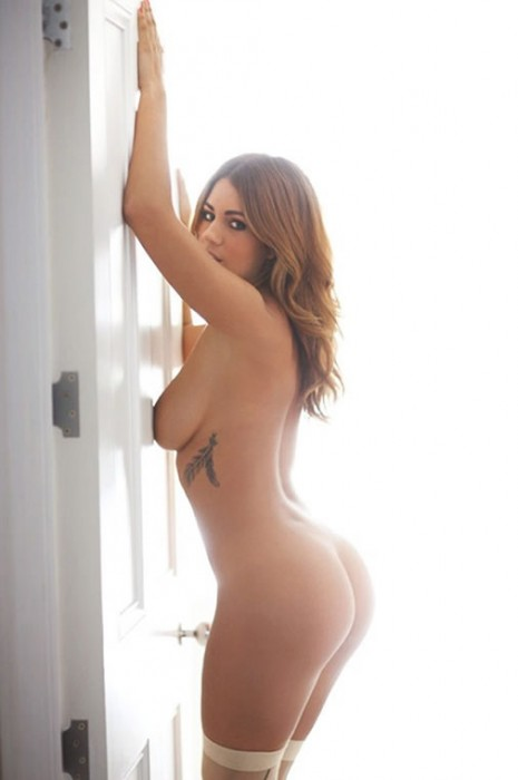 5-holly-peers-sexy-ass-naked