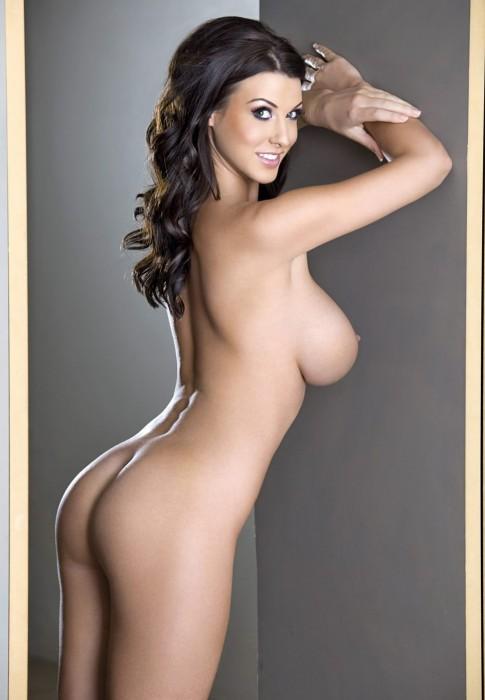 alice-goodwin-hard-nipples