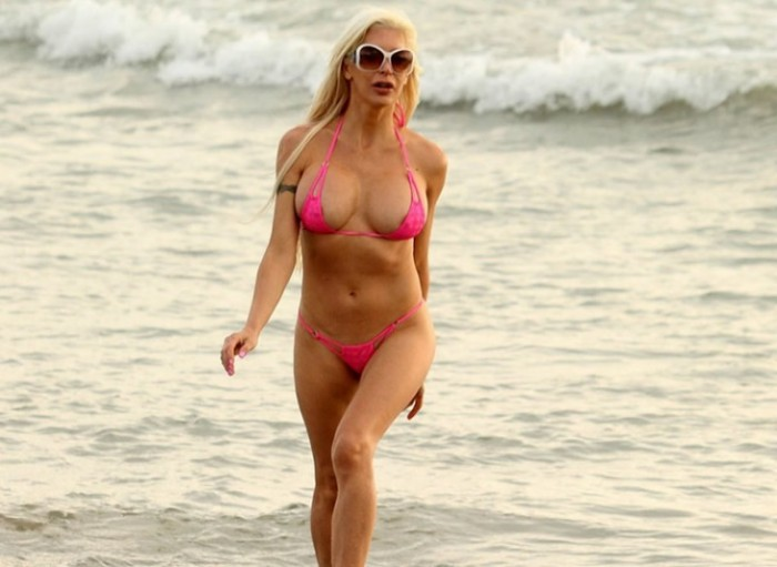 angelique-morgan-tong-bikini