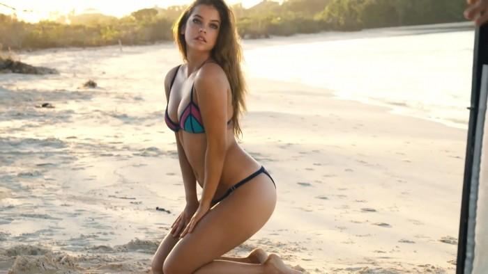 barbara-palvin-in-sexy-bikini