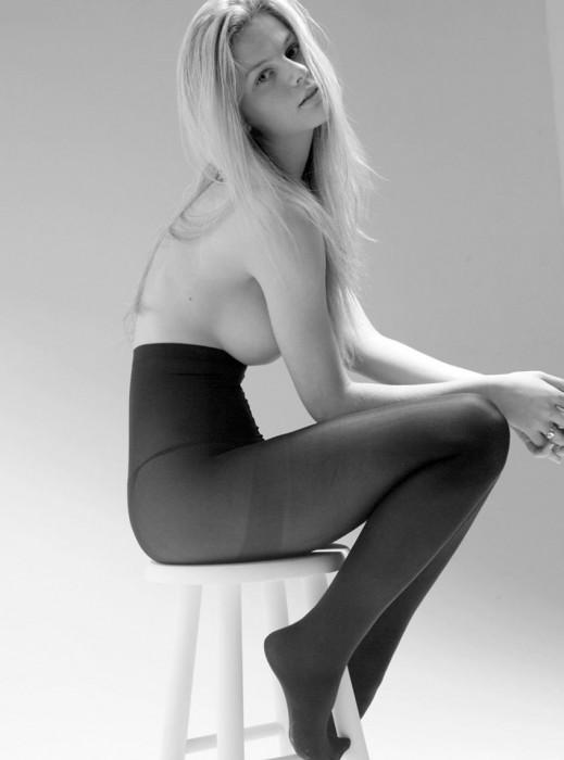brooklyn-decker-topless