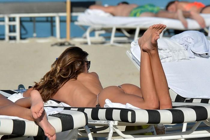 claudia-galanti-topless