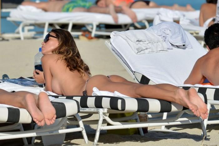claudia-galanti-in-sexy-bikini
