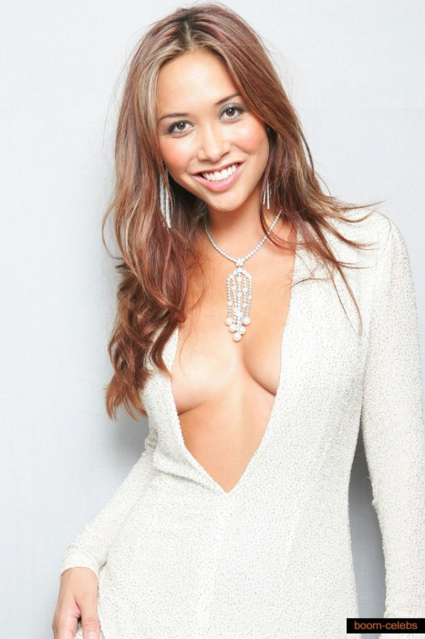 cleavage-myleene-klass-photos