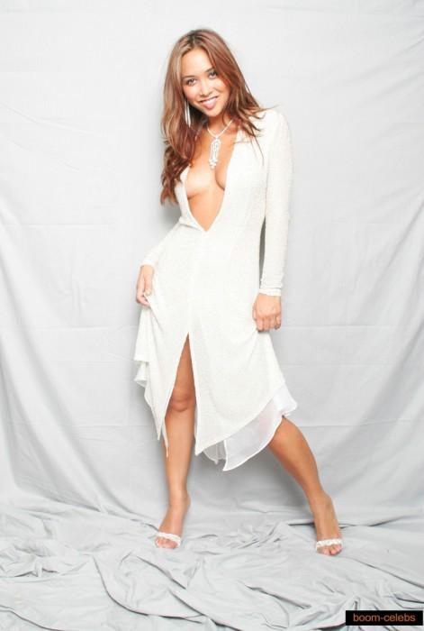 cleavage-myleene-klass-sexy-pic